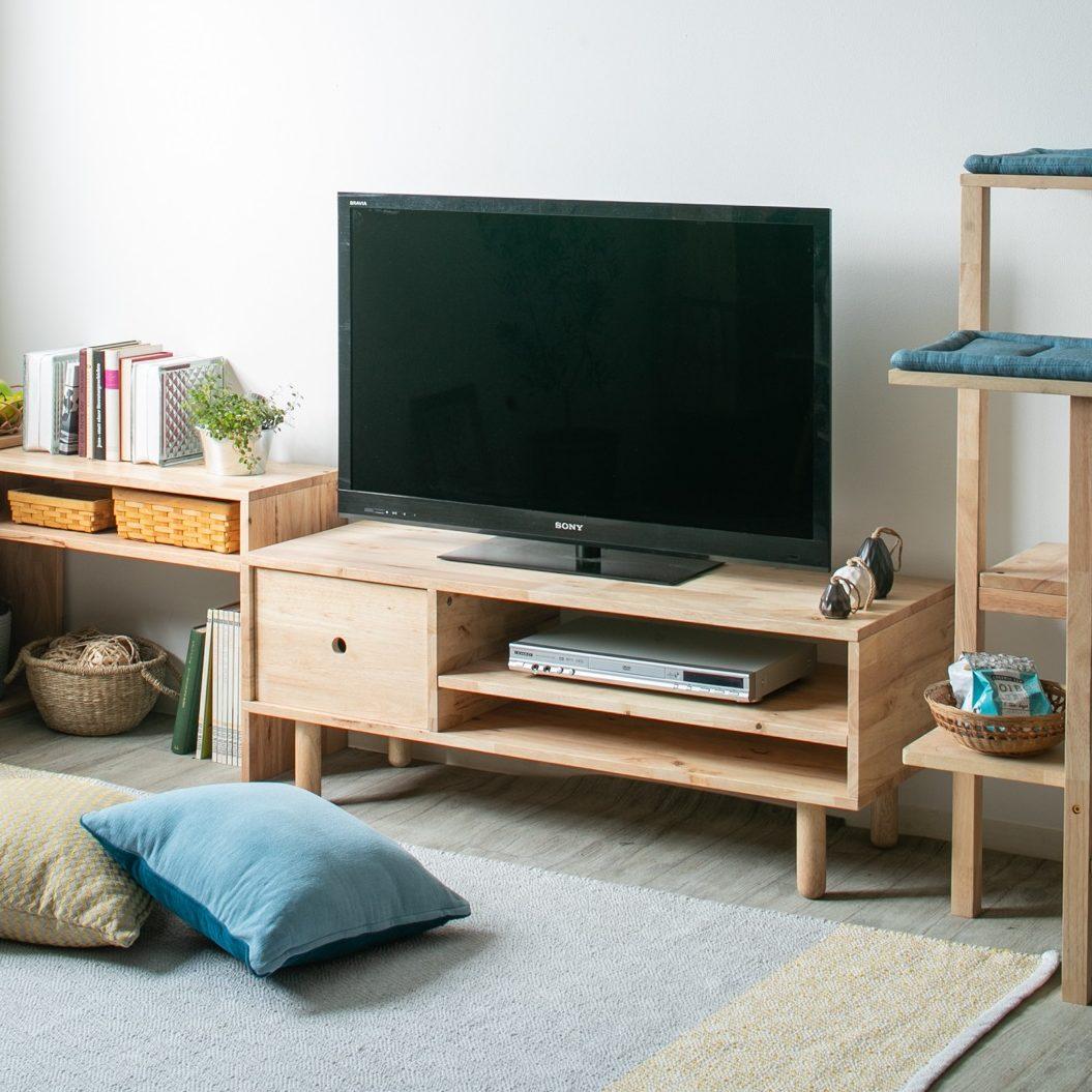 ナチュラルで優しい雰囲気を楽しめる114㎝幅のTVボード